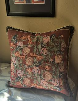 PILLOW COVER FIELD OF ROSES NIB 18 inch Square Rope Edging H